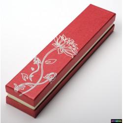 Geschenk-Verpackung aus Karton silber Blumen